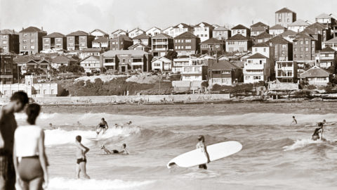 Bondi Beach, 1962. Photo: Bob Weeks